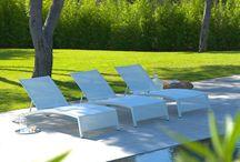 Airwin par Les Jardins® / courbes infinies, bains de soleil aux lignes douces fines et élancées, dimensions généreuses (204cm de longueur avec 74 cm de largeur)