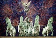 Silvester mit relexa / Bald schon ist es vorbei - das Jahr 2012. Ihr wisst noch nicht, wo ihr in das Neue Jahr starten sollt? Wir haben die passenden Ideen: mal ganz besinnlich, mal inmitten der Großstadtlichter, mal mit einem einzigartigem Thema. Lasst euch überraschen!