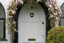 Door Flower Display / Take a look at my YouTube channel for my series of 'How to' flower arranging tutorials, practical ideas and tips to create beautiful DIY flower arrangements and crafts at home