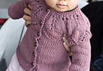 bebés tejidos