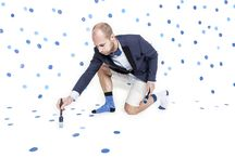 Effio x Antoine Peters Campaign 2015 SS 'Admire the ordinary' / At first sight the new Effio x Antoine Peters socks might appear randomly scattered with confetti but at second sight the dots seem neatly put in order. The confetti is businesslike as well as festive and celebrates the ordinary with this small party at your feet.