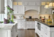 Kitchens / by Mindy Tucker