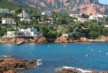 Frankrijk - Côte d'Azur / De  Côte d'Azur  is een van de meest populaire vakantiebestemmingen in Frankrijk. U vindt hier een afwisselende combinatie van uitgestrekte stranden, beschutte baaien met traditionele vissershavens, rustige dorpjes boven op de heuvels en monderne badplaatsen