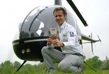 """Un'altra fantastica avventura del nostro Prova Esperienza! / Alessandro Marras pilota un elicottero Robinson R-22 grazie al cofanetto Emozione3 """"1,2,3…Go"""".  Il suo è proprio un LAVORO DEI SOGNI!!!!  http://esperienze.lavorodeisogni.it/pilotaggio-di-un-elicottero/"""