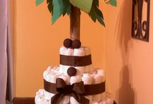 Jungle Diaper Cake / Jungle Diaper Cake.  Ideas & Repins. WashAgami & Topsy Turvy Diaper Cake products available at www.topsyturbydiapercake.com