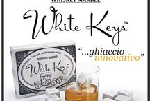 White Keys (Whiskey Marble) / White Keys cubes are made of pure italian white marble. They are hand-made cut out of a single slab selected in the quarry. A single slab gives only 10000 pieces per year. White Keys are processed with no chemical product; after the cut they are washed in hot water at 180°C (356 F), then dried by hot hair, and manually packed. After dried with a clean cloth, keep refrigerated for about 1 hour. White Keys are ready to be used for your favourite noble whisky.