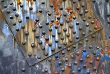 Metal boat hull & rivets