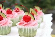 {Cakes & Cupcakes}