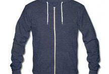 Kleidung für Männer / Hier finden Sie eine kleine Auswahl unserer Kleidung für Männer der Marken Lalli & Loops, cute Bella und Fluffy.