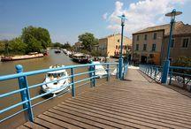 Le Chai port Minervois / la Maison des vins du Minervois basée à Homps au bord du canal du midi.
