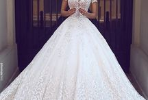 Big, Beautiful, Cinderella-esque Wedding Gown