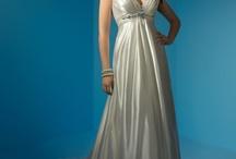 wedding dress / by Alisa Phathanapirom