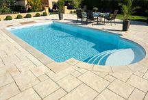 Schöner gestalten - Gartengestaltung mit System / Sie möchten Ihren persönlichen Stil nicht nur im Innen- sondern auch im Außenbereich verwirklichen? Mit WESERWABEN bekommen Sie die komplette Vielfalt. Farben und Formen der Steinelemente sind untereinander geschmackvoll kombiniert. So entstehen immer wieder neue und individuelle Gartengestaltungen. Lassen Sie sich inspirieren....