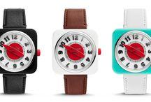 Fossil / Retro styl 50. let 20. století s futuristicky působícím design, to je poznávacím znamením hodinek Retro Timer značky Fossil.  Odvážný design této modelové řady není pro každého, ale ten kdo se jej rozhodne nosit, bude platit za ikonu designu a bude přitahovat obdivné pohledy.