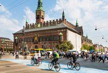 Die zehn fahrradfreundlichsten Städte weltweit / Anstatt sich im gemieteten Auto durch volle Straßen zu quetschen, steigen viele Urlauber lieber aufs Fahrrad um. Doch nicht jede Metropole ist ideal auf Radfahrer eingestellt - eine entsprechende Infrastruktur sollte vorhanden sein, damit man sicher und entspannt unterwegs sein kann. Wir stellen Ihnen die zehn fahrradfreundlichsten Städte der Welt vor.