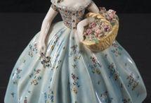 Figurines / www.CalAuctions.com