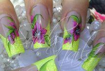Nails & Hair / Nails & Hair