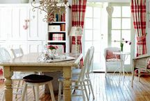 Dining Rooms / by Layla Palmer