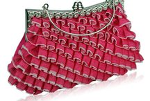 Pink Bags / All the ladies love pink so it makes sense to have Pink Bags in your collection! Whether you are looking for a Pink Evening Bag, Pink Clutch Bag, Pink Beaded Bag or even a Pink Diamante Clutch Bag - we have the right Pink Bag for you!