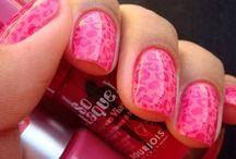 nails&lips / by poppy glitter