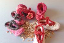 Peücs: ballarines i botetes / Botes i ballarines de llana per a infant. Fetes a mà.