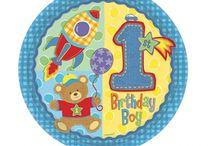 1° Compleanno Bambino / Piatti, bicchieri, tovaglioli, tovaglia, festoni, palloncini, candeline e tanto altro per festeggiare il 1° Compleanno del tuo bambino!