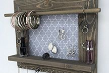 necklace holders