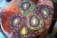 Varios mosaicos y vitrales