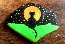 Painted stones / Atelier de cadouri si decoratiuni handmade