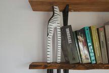 Żyrafa podpórka na książki