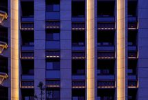 Upplyst fasad