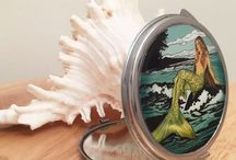 Compact Art Mirrors / by Liz Masters