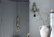 brocante intrior / white, taupe and modern brocante