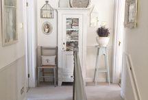 Hallway Ideas / Ideas for hallway furniture and decoration