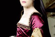 Anne Boleyn-Wolf Hall / play by:Claire Foy