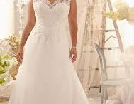 Plus size wedding dresses / We all know that the wedding dress is the central character in any wedding