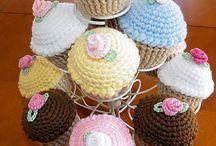 Crochet cupcakes