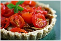 Delightful food / Salads are a great option for eating live living foods