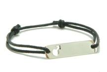 Bracelet enfants / Bracelet pour bébé personnalisé et à graver. Notre collection de Bracelet de naissance original pour garçon et fille.