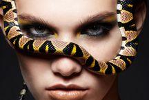 портрет со змеей
