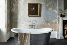 Vintage Bathrooms / The ultimate vintage bathrooms consist of many beautiful aesthetic qualities to add that little bit of extra luxury such as rustic and not always desirable building materials, pastel and warm colours, as well as meaningful mementos to complete the homey vibe.