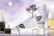 Balancing Care / Bring your skin back to its natural condition with PHYT'S Balancing Collection. This line contains a variety of 100% natural and organic ingredients to purify, calm and clear up your complexion.