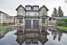 Real Estate Listing - 387 & 388 Sixteenth Ave., RICHMOND HILL, ON / Yonge & 16th Ave Magnificent Custom Built Home By Royal Haven Homes.Designed & Distinctive Crafted W/Grandeur & Sophistication In Mind.Over 3622 Sqft Of Luxurious Living Space.9' Ceilings In Main Floor With Walk -Up Basemen.Custom Kitchen With Granite Counter Top Custom Built Vanity In All Bathrooms.High Quality Crown Moldings.Staircase With Wrought Iron Spindle.High Quality Basemen Includes 4 Piece Bathroom.All Bathtubs On Upper Floor Are Whirlpools With Rain Shower.