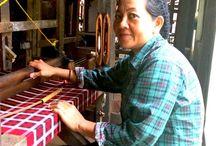 Visiting the last sarong Samarinda weaver