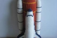 crafty... crochet inanimate objects / by Danie Honeybun
