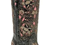 Boots :) / by Hailey Dempsey