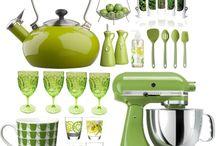 Green kitchen decor