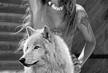 lobos y mujer