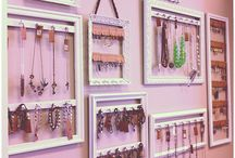Jewelry: Displays