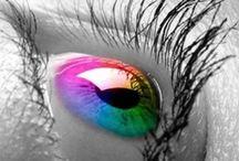 eye colors / by Dezasia Edmund
